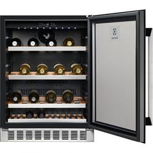 Electrolux ERW1573AOA refroidisseur à vin Intégré Noir Refroidisseur de vin compresseur A – Cave à vin (Intégré, Noir, Noir, 6 étagères, 1 portes(s), Noir)